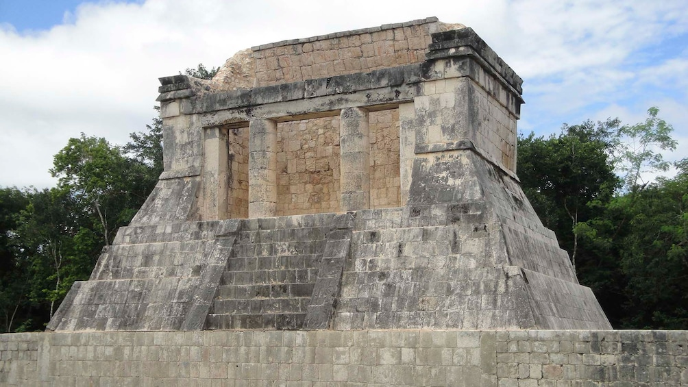 Show item 7 of 7. Top of a temple at the Chichen Itza ruins
