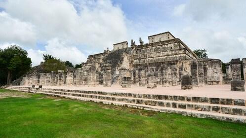 chichen itza, temple of the warriors