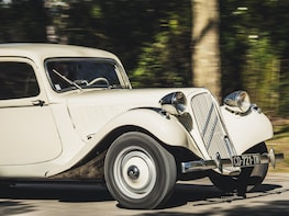 Half-day French Riviera Tour in vintage car Customised trip
