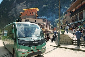 Bus to the entrance of Machu Picchu