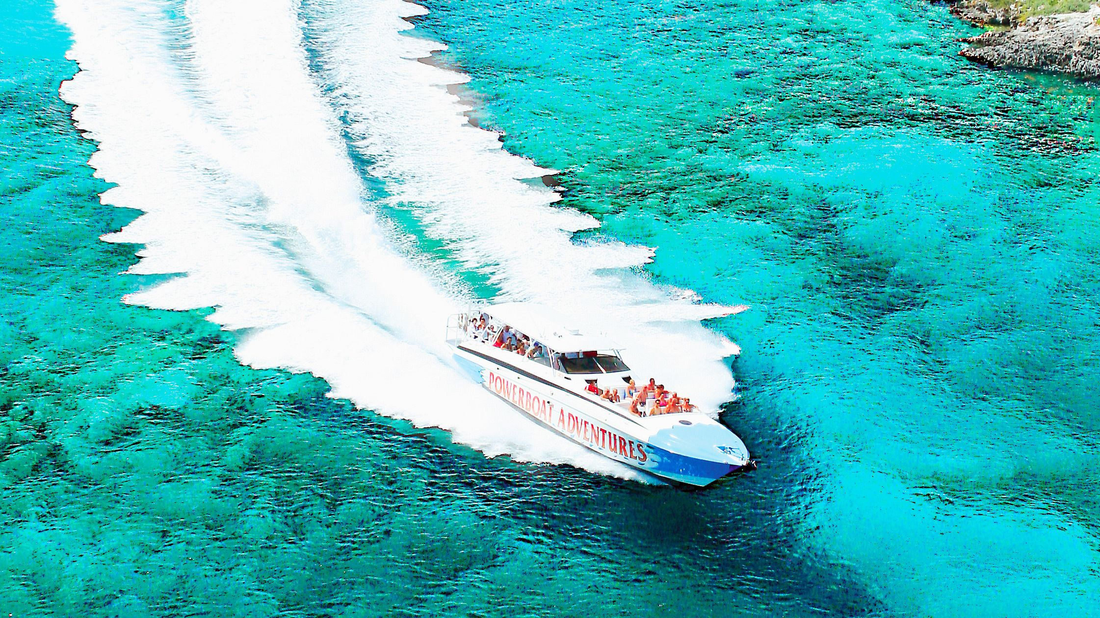 Powerboat on the move in Bahamas