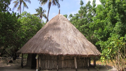 A wood and straw hut at Salaam