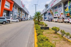 Tour Zona Libre de Colón