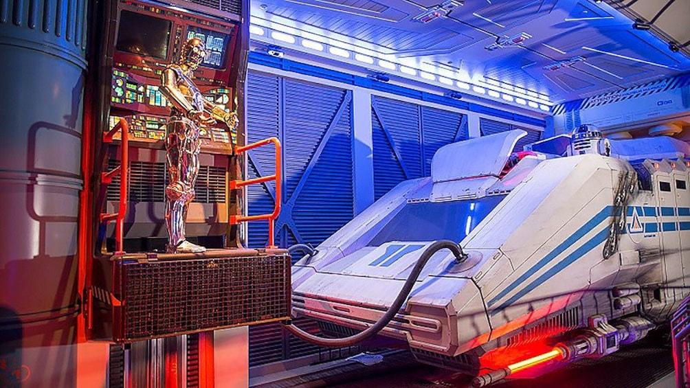 C-3PO in bay at Disneyland Paris