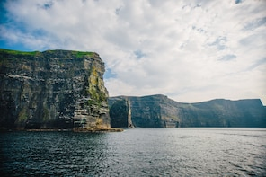 Cliffs of Moher Cruise, Aran Islands and Connemara in 1 Day!