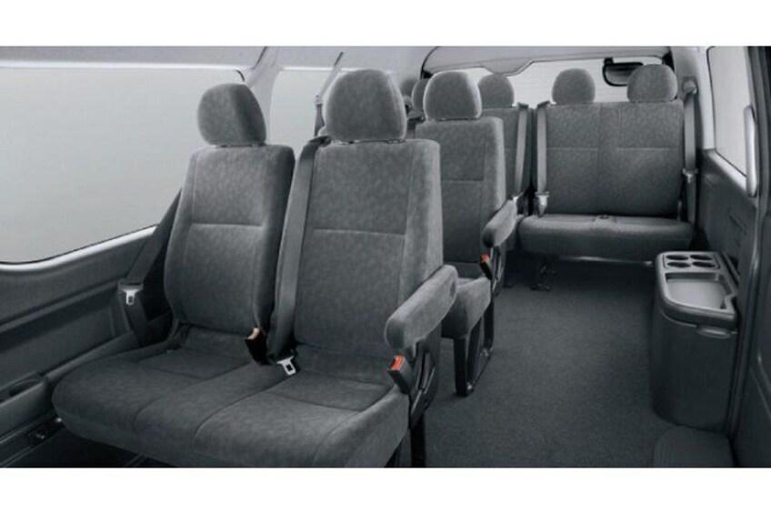 Minivan Toyota HIACE (Max 9 Pax)