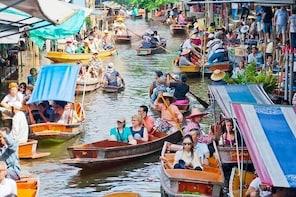 Exploring Damnoen Saduak Floating Market Tour in Thailand