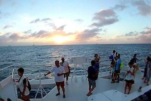 Sunset Cruise Experience in Saipan