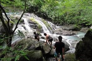 Waterfall hike to Cascadas El Palmar