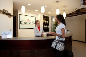 Club Kingston VIP Airport Lounge & Fast-Track Service