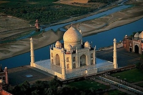 3-Day Tour to Delhi, Agra, Jaipur from Ahmedabad with Commercial one-way Fl...