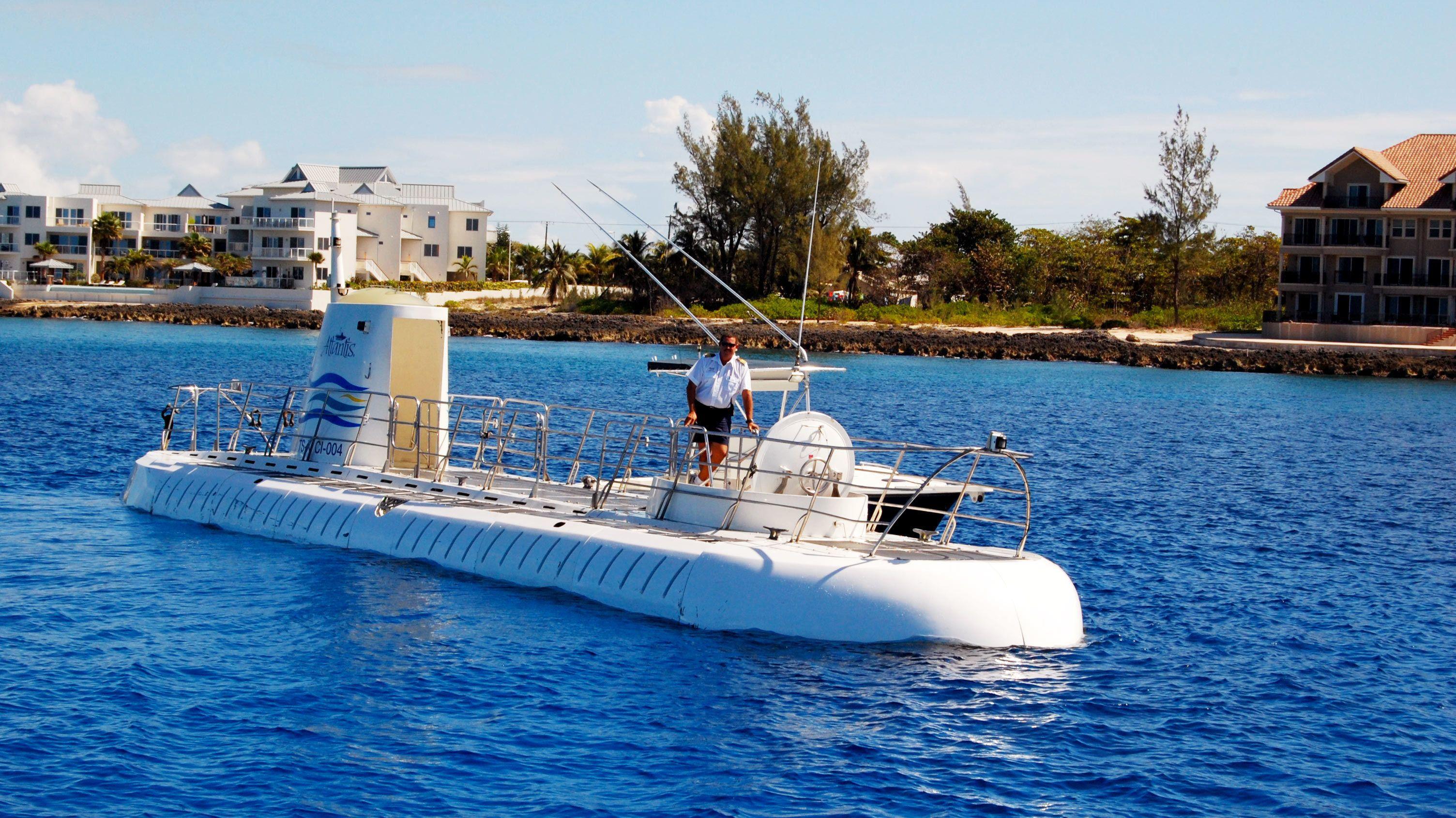 Atlantis Submarine Day Dive