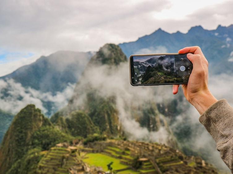 Carregar foto 5 de 10. Machu Picchu Day Tour on Vistadome train with Lunch Included
