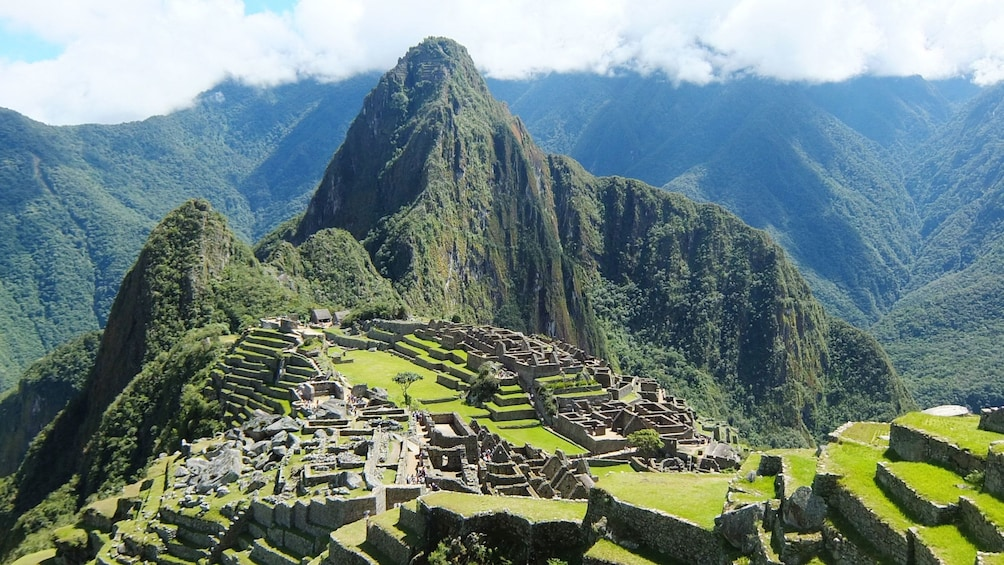 Carregar foto 3 de 10. Aerial view of Machu Picchiu