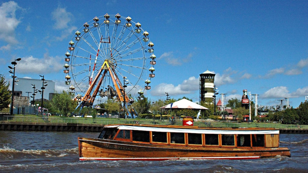 River cruise at the Tigre Island Town Tour in Tigre