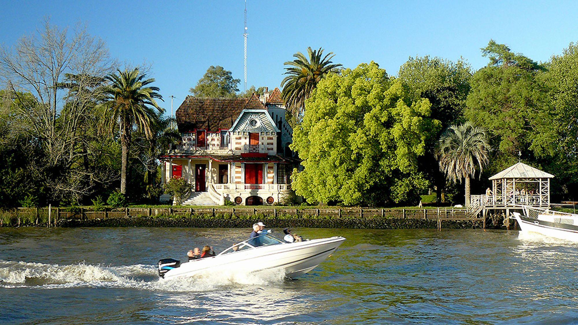 Island Town of Tigre & the Parana Delta by Boat