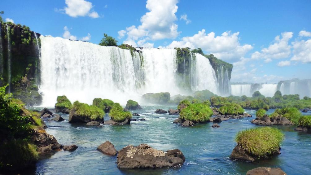 Cargar ítem 3 de 9. Day landscape view of the amazing view of Iguazu Falls in Argentina