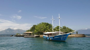 Angra dos Reis and Ilha Grande Day Trip with Schooner Cruise