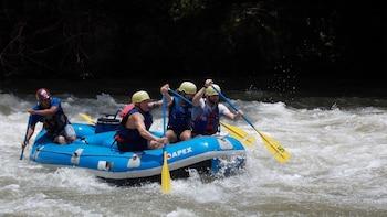 Excursão de rafting nas corredeiras