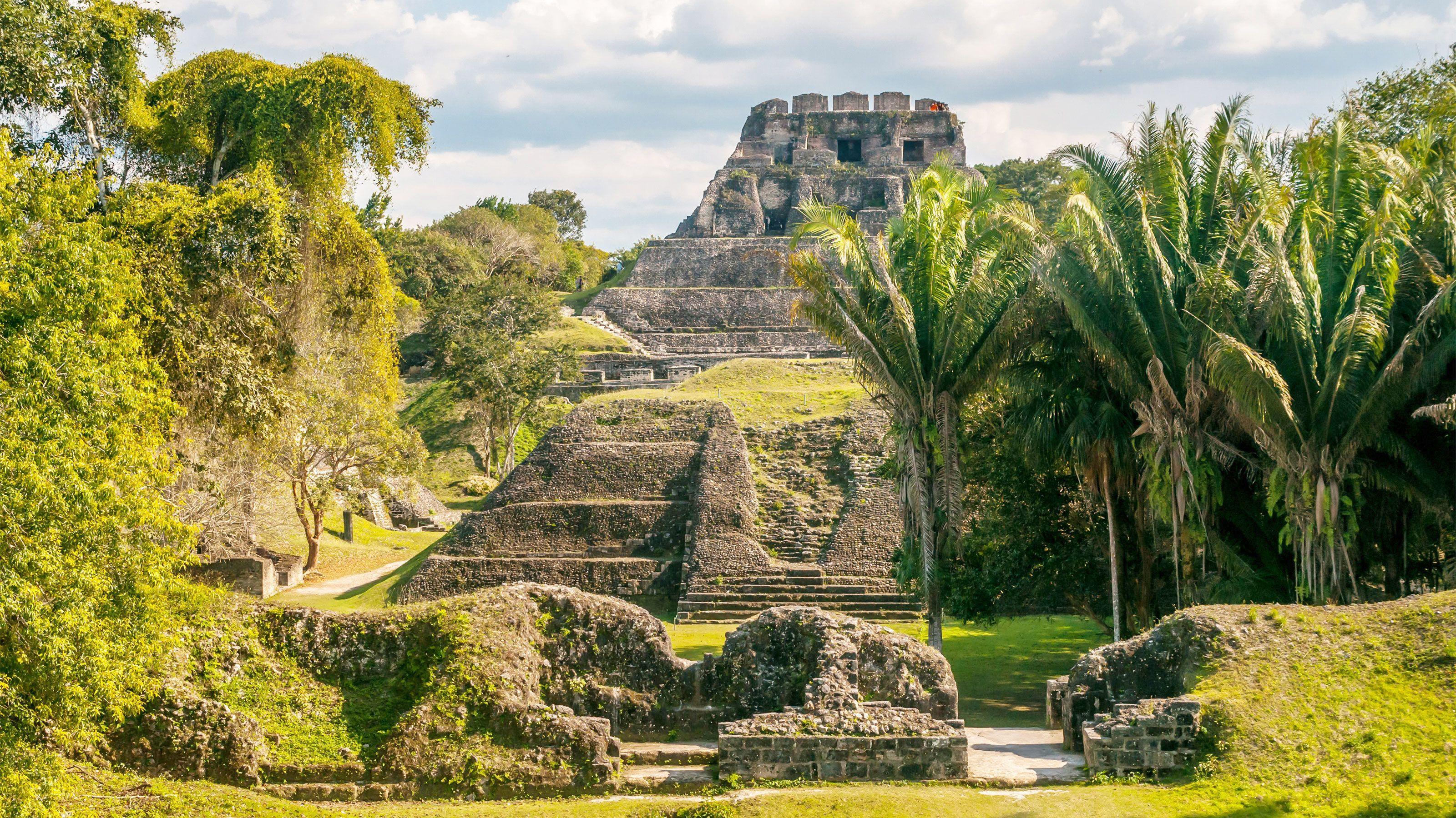 Xunantunich Maya Site & Belize Botanic Gardens Tour