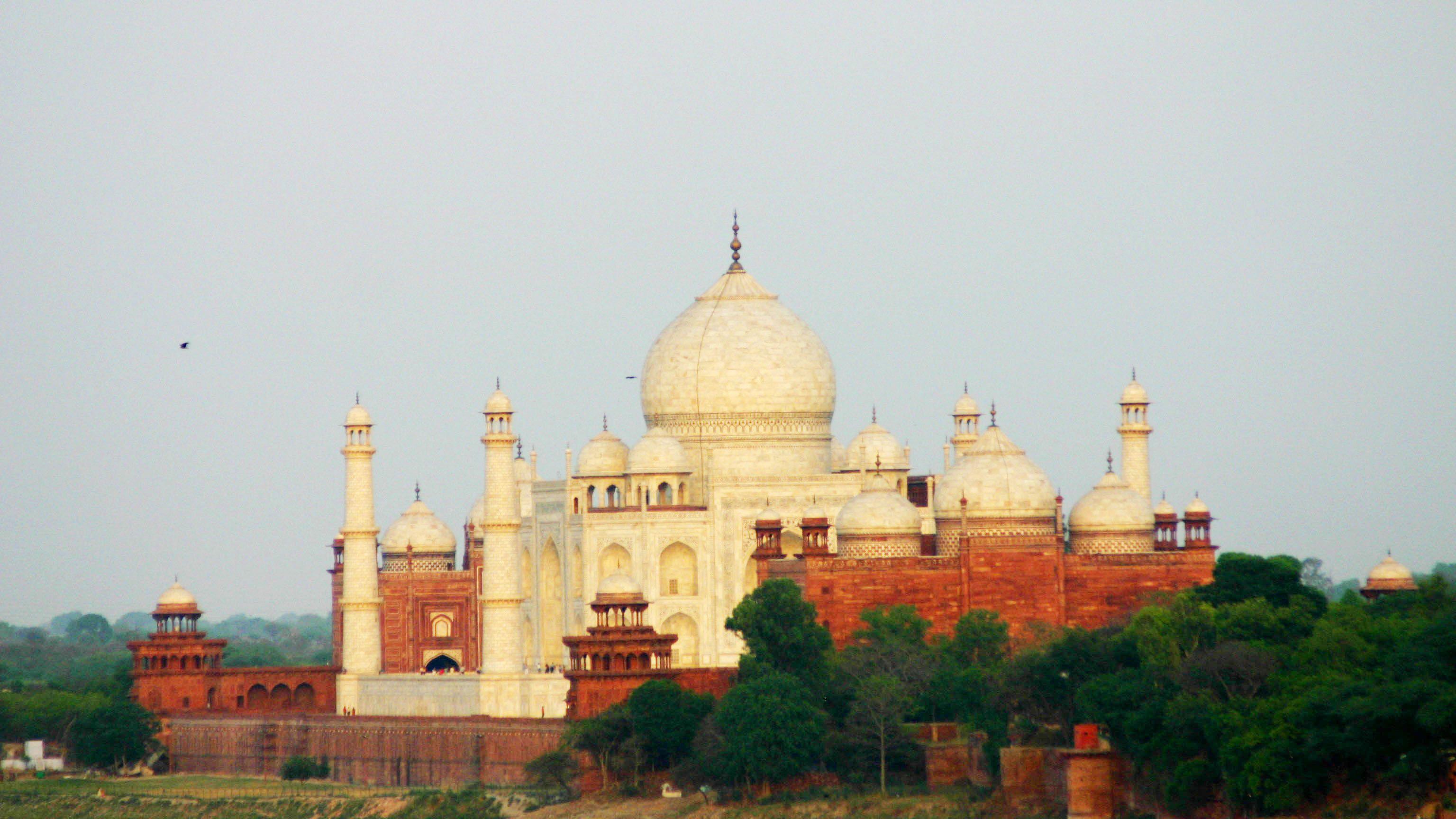Private Full Day Agra FatehpurSikri Tour & lunch from Delhi