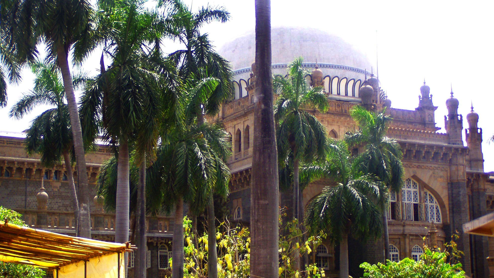 View of large domed temple in Mumbai