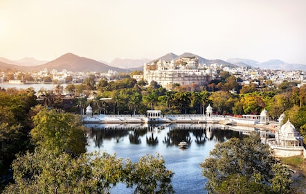 City Palace view in Udaipur.jpg