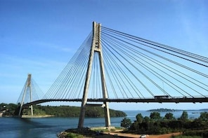 SMALL GROUP: Batam Day Trip with Ferry, 1-hr Massage, Shopping and Seafood ...