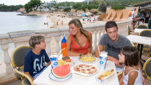 A family eating lunch at marineland