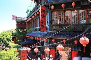 Keelung Shore Excursion: Jiufen Old Street & Pingxi Sky Lantern Private Tou...