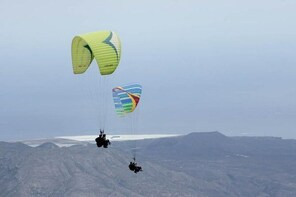 Paragliding Epic Experience in Tenerife with the Spanish Champion Team