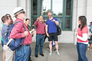 DC: Small Group Food and History Tour on H Street