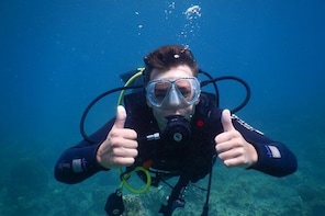 Scuba Diving Discovery Course on Hon Mun Island in Nha Trang