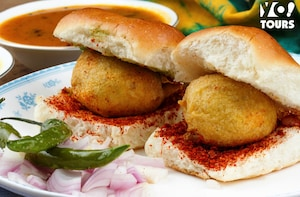 Food Walk Tour Pune(2 Hours Guided Food Tasting Tour)