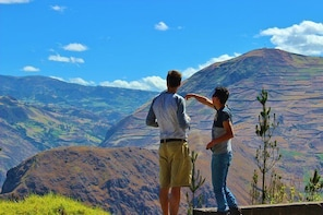 Full-Day Devil's Nose Hiking and Ingapirca Ruins Tour from Cuenca