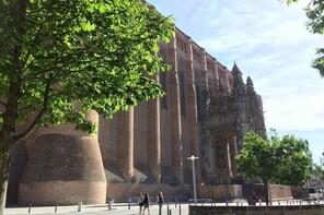 Day tour to Albi & Cordes sur Ciel. From Toulouse.