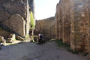 Half day tour to Lastours Castles. From Carcassonne and around.
