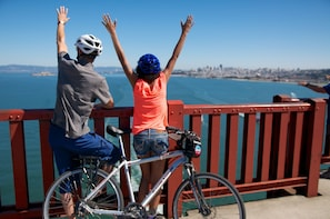 Fisherman's Wharf Bike Hire: Best views of Alcatraz!