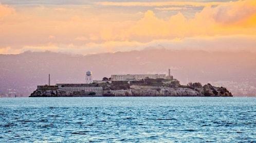 Skyline Alcatraz.jpg