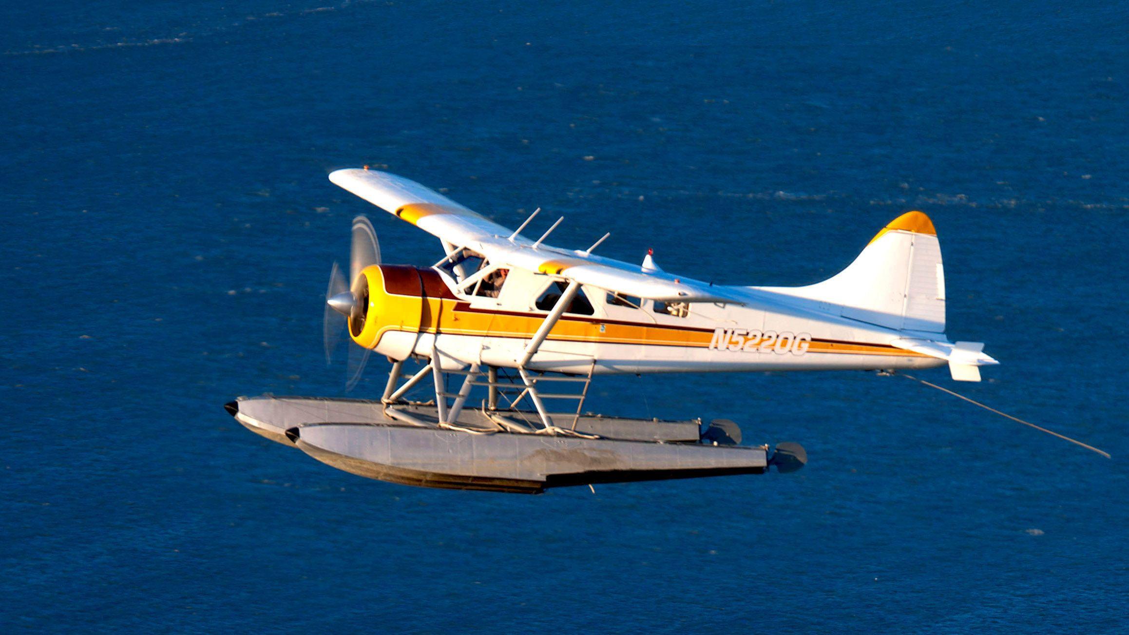Tours en hélicoptère, avion et montgolfière