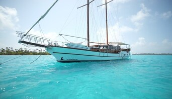 Albatros Tamarindo Sailing Sunset Cruise with Snorkeling