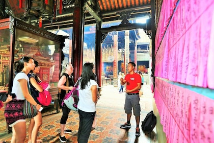 Small-Group Ho Chi Minh Discovery Full-Day Tour