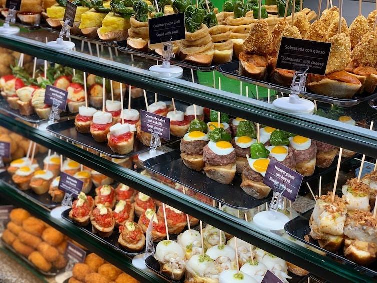 Madrid: Morning Gourmet Tapas & Local Neighbourhoods Tour