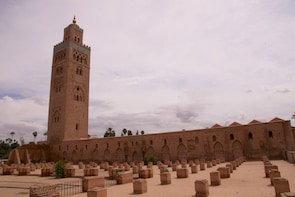 Marrakech: Small-Group Medina, Palaces & Tombs Walking Tour