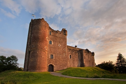 Small-Group Outlander Adventure Full Day Tour