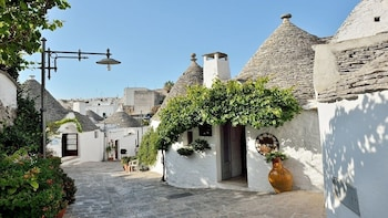 Trulli of Alberobello Tour from Matera