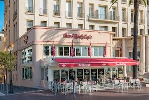 Essen im Hard Rock Cafe Nizza und bevorzugter Sitzplatz