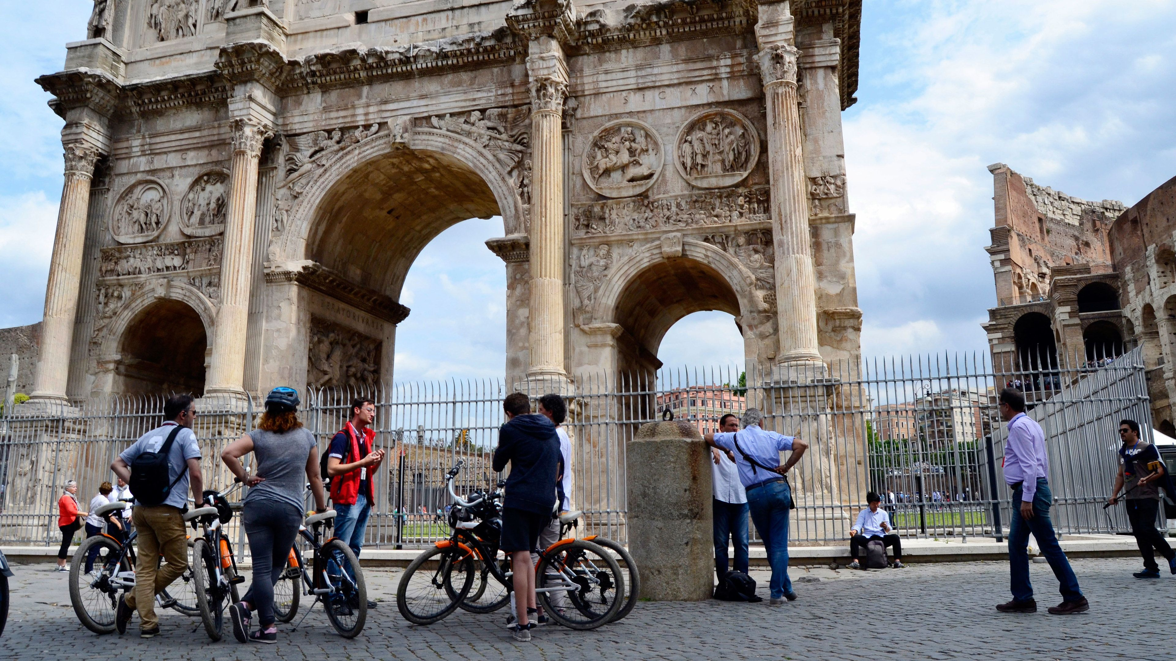 bicycle tour group in italy