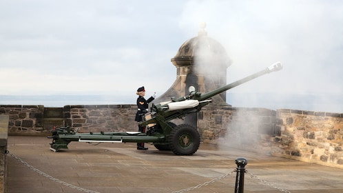 Cannon at castle in Edinburgh
