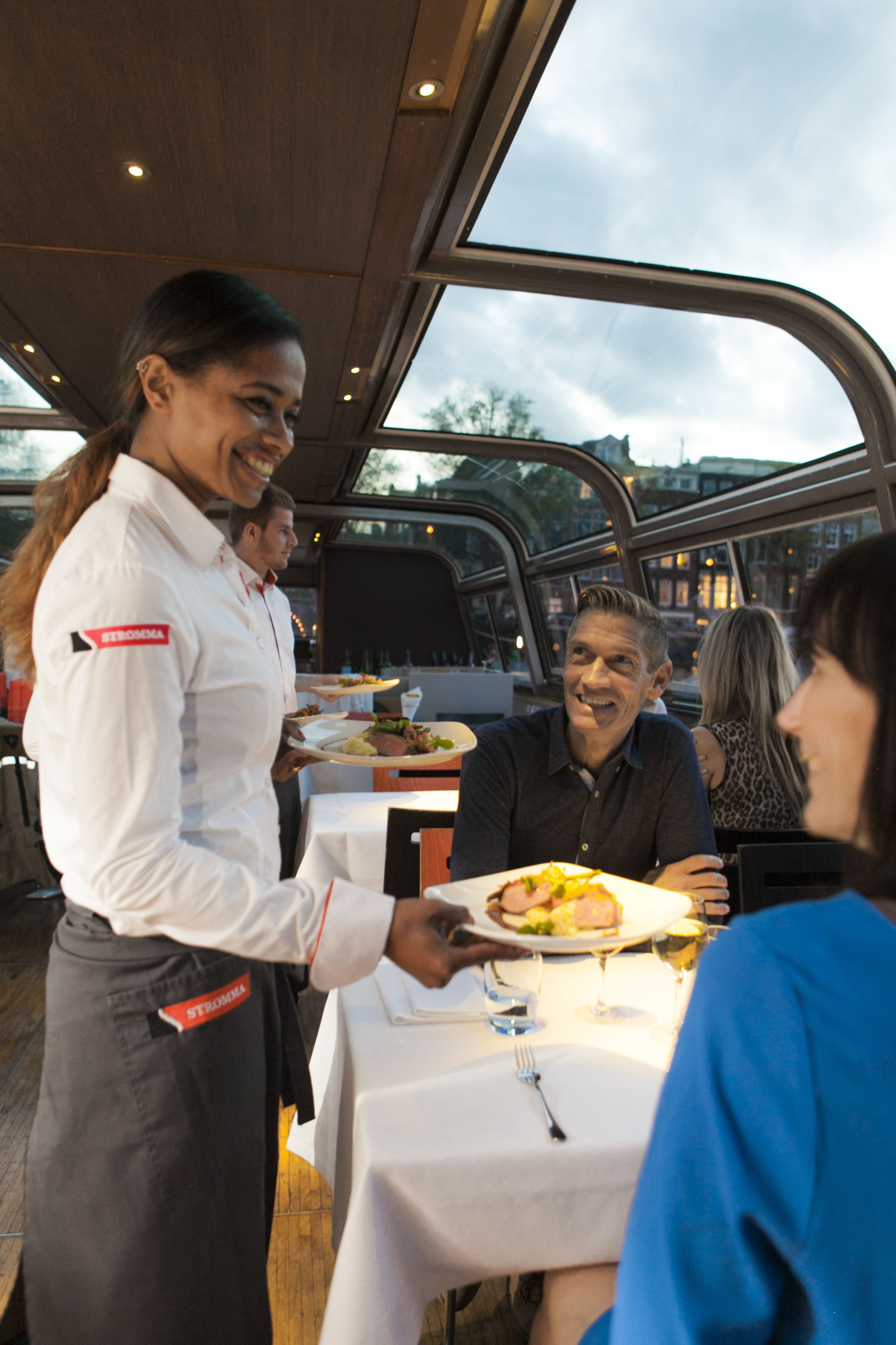 CTA Amsterdam Dinner Cruise_Serving food.jpg